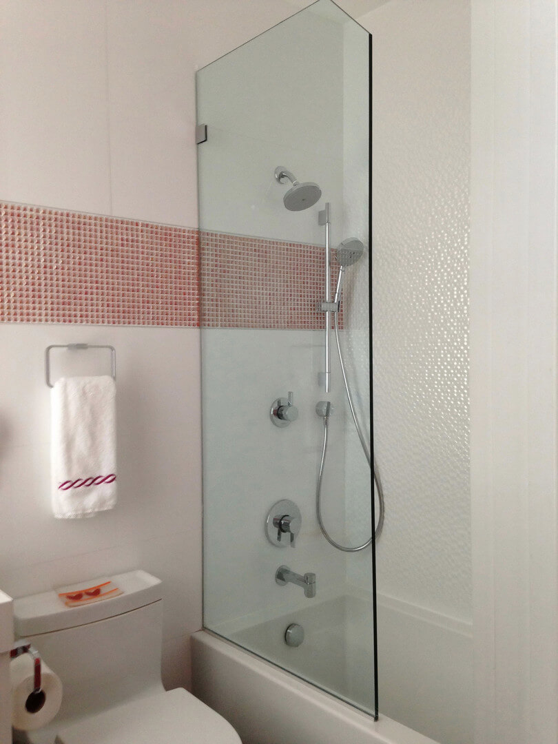 splashguard shower panel with clipped corner for a tub